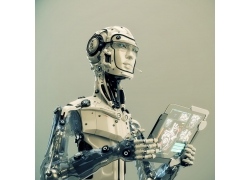拿着电脑的机器人