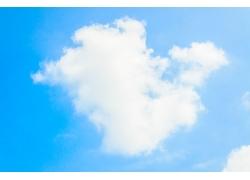 蓝天下的白云