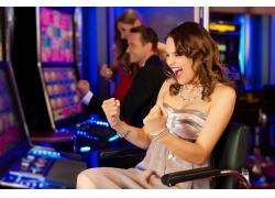赌博兴奋的女人