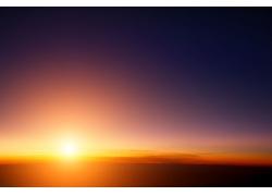 美丽的朝阳和朝霞