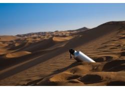 沙漠里的水壶