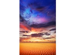 即将面临暴风雨的沙漠