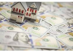 金钱和房屋