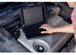 笔记本电脑汽车修理