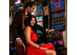 赌博的国外情侣摄影