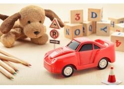 积木与玩具车