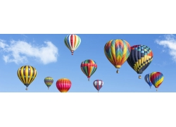 蓝天白云与彩色热气球